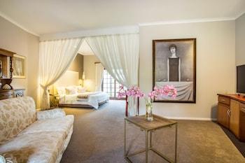 C. Honeymoon Suite
