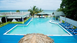 Oceanfront Kitchenette