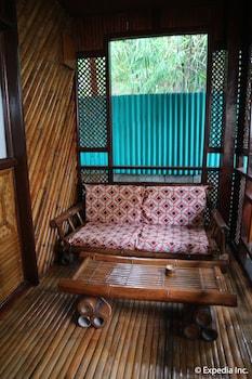 Frendz Resort Boracay Living Area