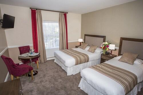 Cahir House Hotel,