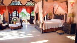 Royal Suite, 1 King Bed, Oceanfront