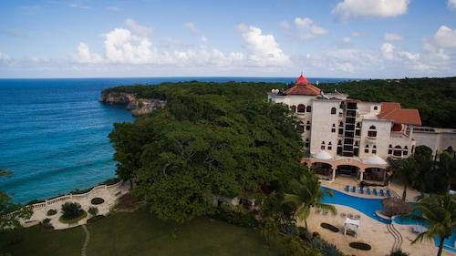 . The Balaji Palace at Playa Grande