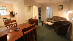 Family Room, 2 Bedrooms