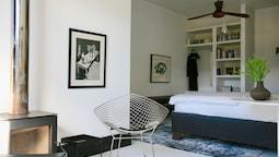 Suite (room 2)