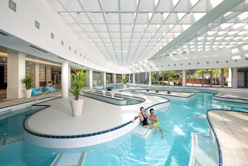 칼리드리아 탈라소 스파(Kalidria Hotel & Thalasso SPA) Hotel Image 9 - Indoor Spa Tub
