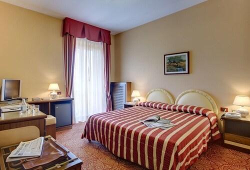 Hotel Savona, Cuneo