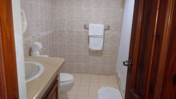 PTV Apartamentos en Albatros - Bathroom  - #0
