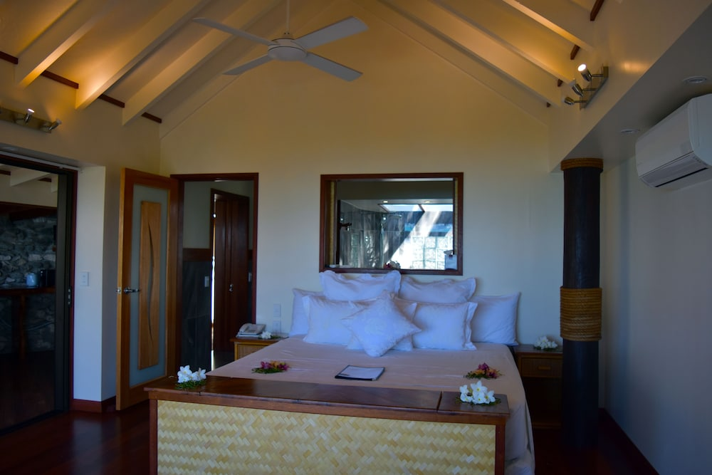 https://i.travelapi.com/hotels/4000000/3700000/3697200/3697151/ab8f2bb6_z.jpg