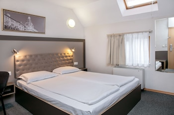 Standard Double Room (10% off in the restaurant)
