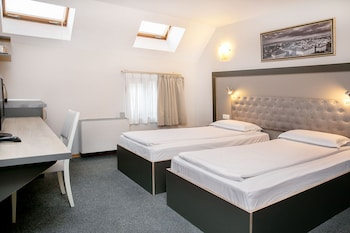 Standard Twin Room (10% off in the restaurant)