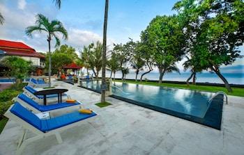 Puri Saron Baruna Beach Hotel En