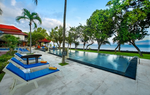 . Puri Saron Baruna Beach