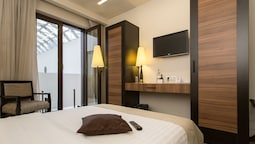 Standard Double Room Atrium