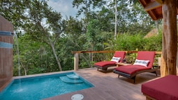 Cloud9 Suite, Private Pool, River View