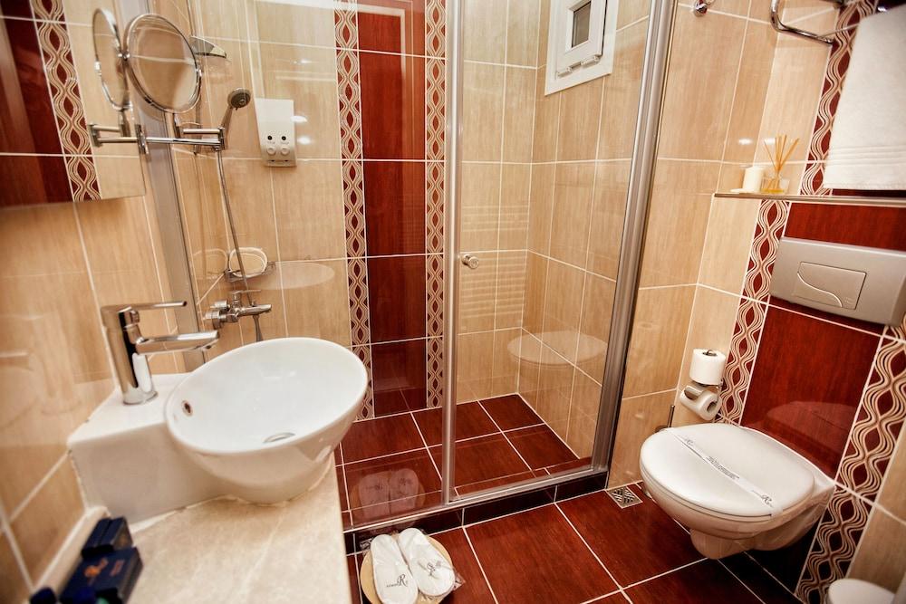 레이몬드 호텔 - 부티크 클래스(Raymond Hotel) Hotel Image 22 - Bathroom