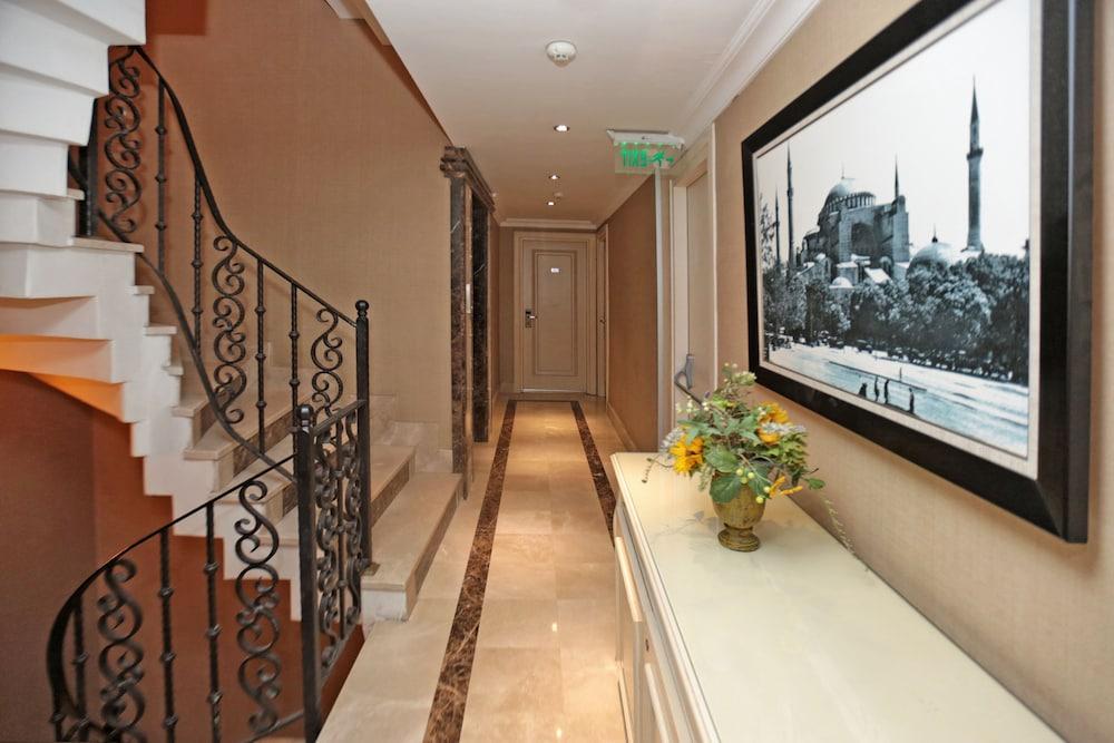 레이몬드 호텔 - 부티크 클래스(Raymond Hotel) Hotel Image 33 - Staircase