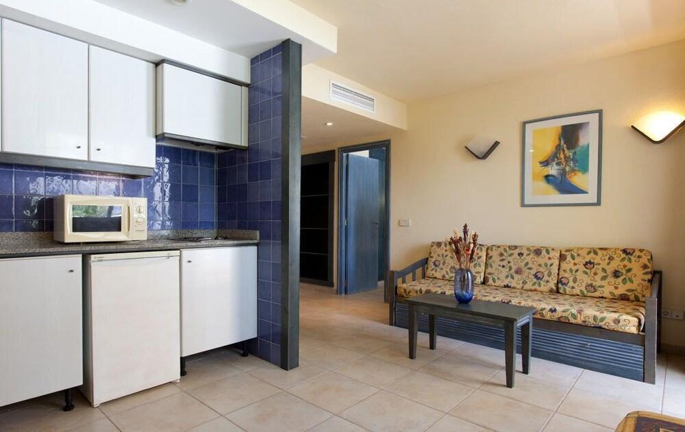 아파르타멘토스 센트럴 파크(Apartamentos Central Park) Hotel Image 7 - In-Room Kitchenette