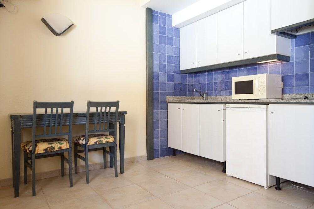 아파르타멘토스 센트럴 파크(Apartamentos Central Park) Hotel Image 6 - In-Room Kitchenette