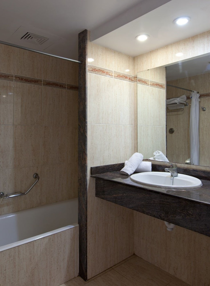 아파르타멘토스 센트럴 파크(Apartamentos Central Park) Hotel Image 21 - Bathroom