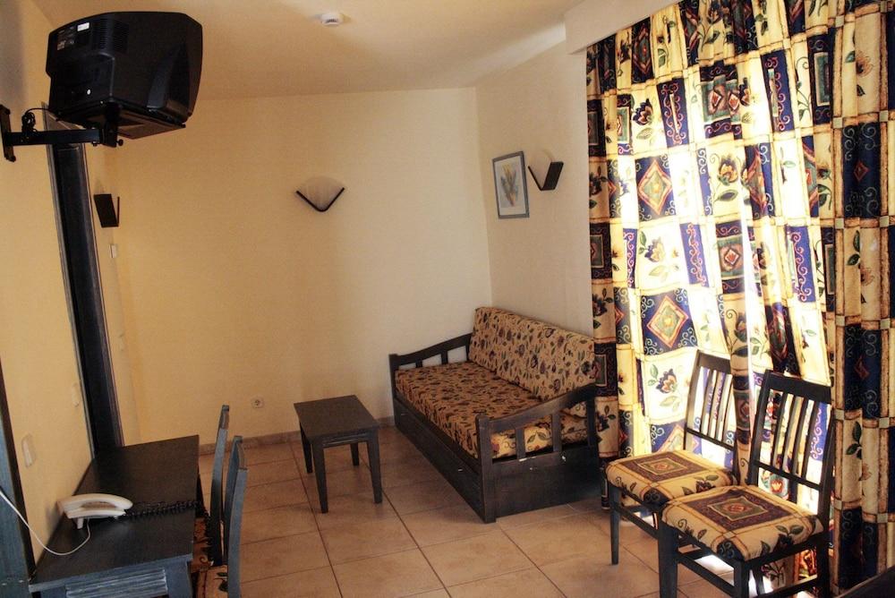 아파르타멘토스 센트럴 파크(Apartamentos Central Park) Hotel Image 14 - Living Room