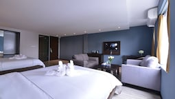 Family Suite, City View