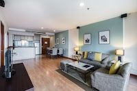 Family Suite, 2 Bedrooms, City View