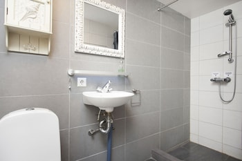 Stay Apartments Grettisgata - Bathroom  - #0