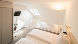 Suite (maisonette With Shower Or Bathtub)