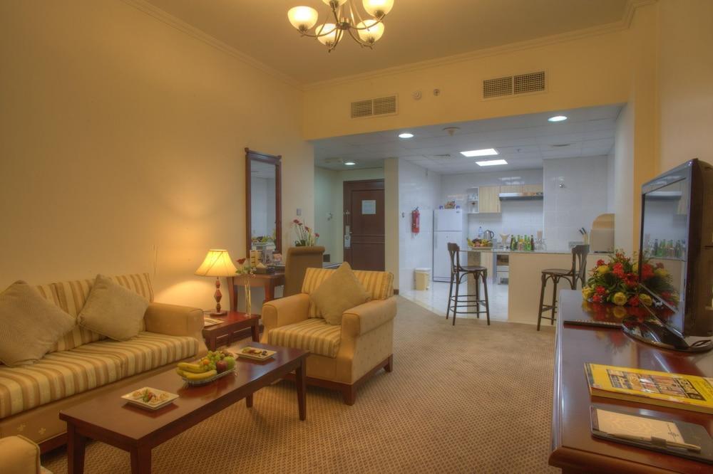시지 호텔 아파트먼트(Siji Hotel Apartment) Hotel Image 11 - Living Area