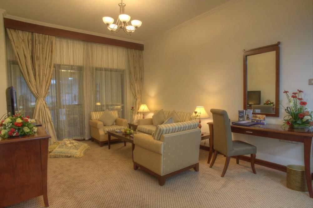 시지 호텔 아파트먼트(Siji Hotel Apartment) Hotel Image 14 - Living Room