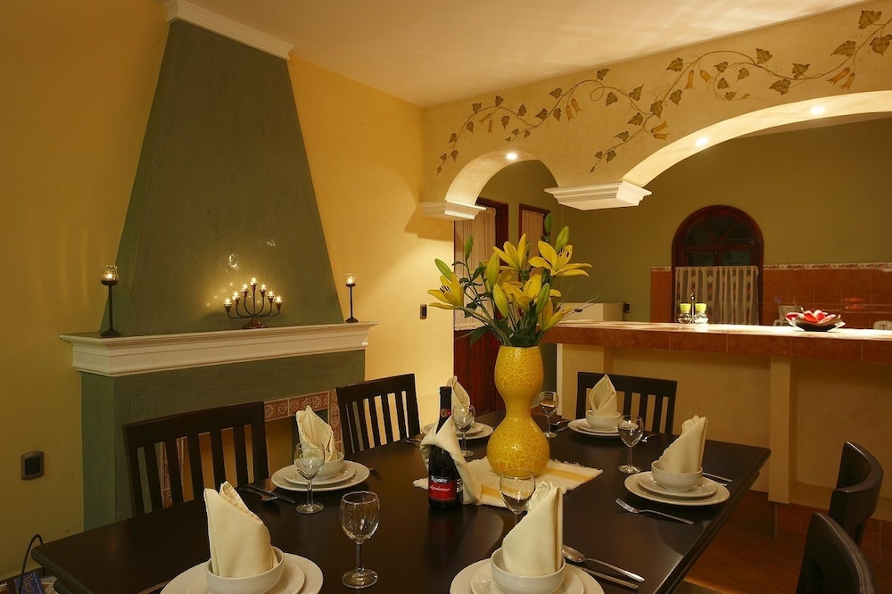 스위트 벨로 소치밀코(Suites Bello Xochimilco) Hotel Image 2 - In-Room Dining