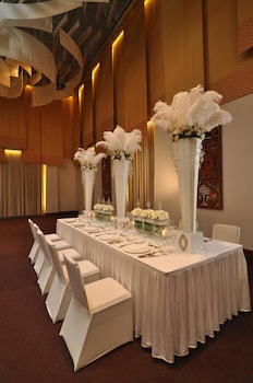 Crimson Resort and Spa Mactan Indoor Wedding