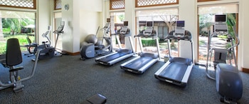 Crimson Resort and Spa Mactan Gym