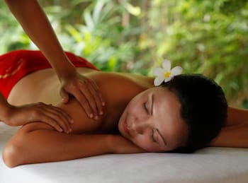 Crimson Resort and Spa Mactan Massage