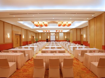 Crimson Resort and Spa Mactan Ballroom