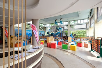 Crimson Resort and Spa Mactan Childrens Play Area - Outdoor