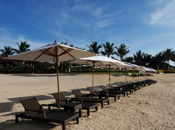 Crimson Resort and Spa Mactan Sundeck
