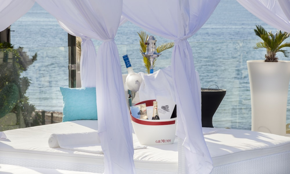 호텔 아파르타멘토 마리나 플라야 - 어른 전용(Hotel Apartamentos Marina Playa - Adults Only) Hotel Image 41 - Poolside Bar