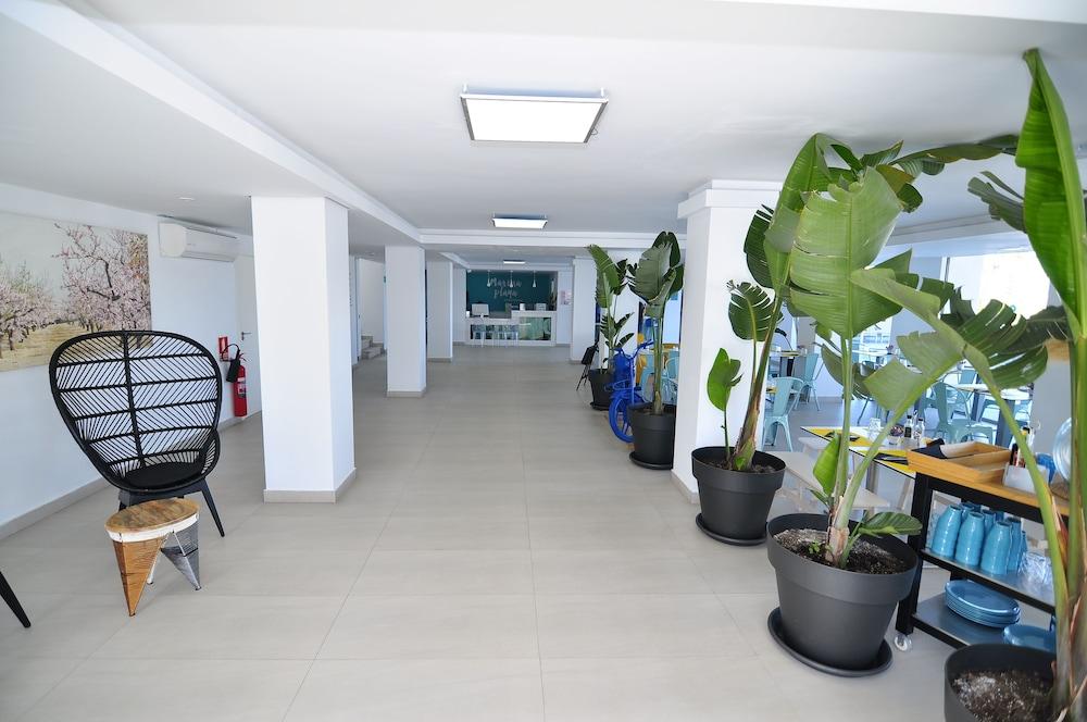 호텔 아파르타멘토 마리나 플라야 - 어른 전용(Hotel Apartamentos Marina Playa - Adults Only) Hotel Image 26 - Interior Entrance