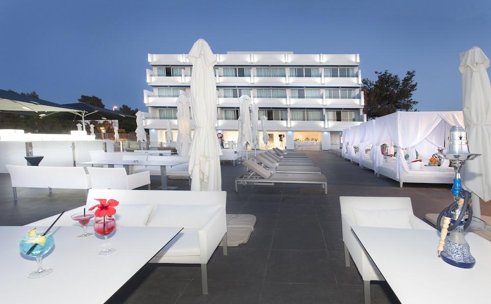 호텔 아파르타멘토 마리나 플라야 - 어른 전용(Hotel Apartamentos Marina Playa - Adults Only) Hotel Image 47 - Outdoor Dining