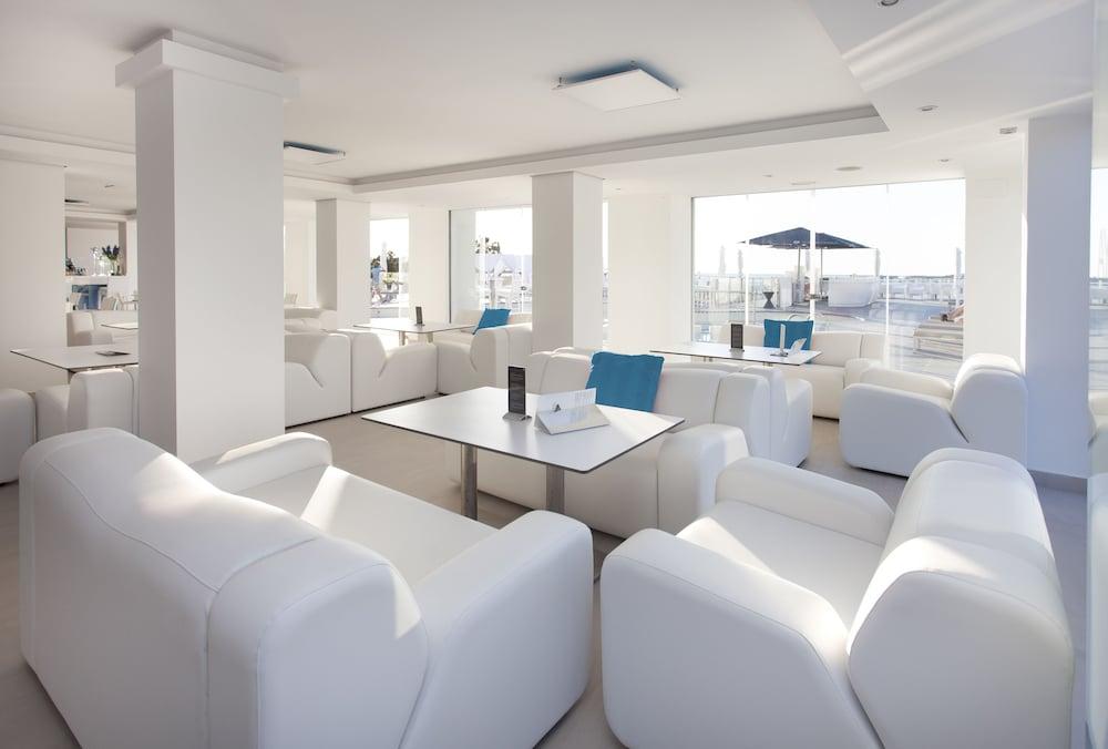 호텔 아파르타멘토 마리나 플라야 - 어른 전용(Hotel Apartamentos Marina Playa - Adults Only) Hotel Image 1 - Lobby