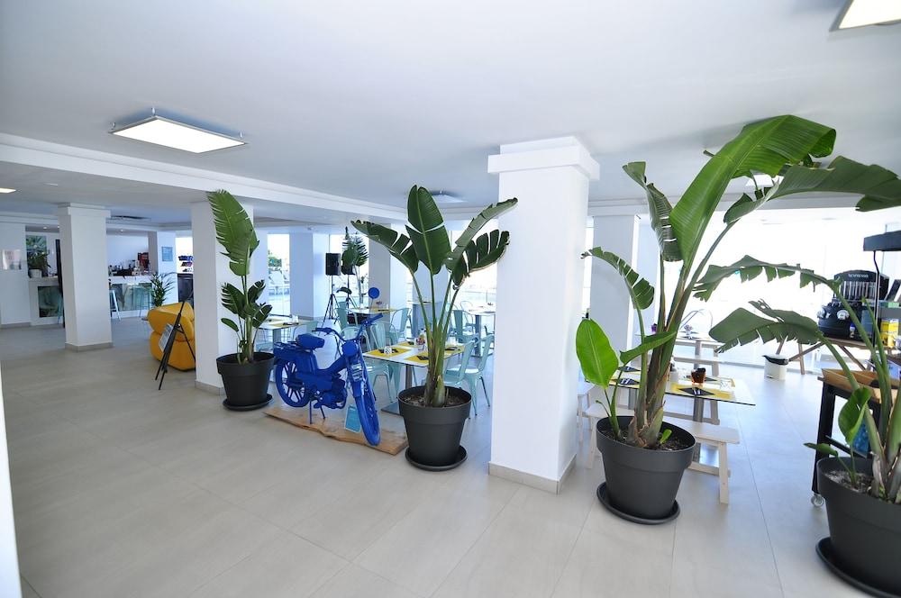 호텔 아파르타멘토 마리나 플라야 - 어른 전용(Hotel Apartamentos Marina Playa - Adults Only) Hotel Image 9 - Lobby Lounge
