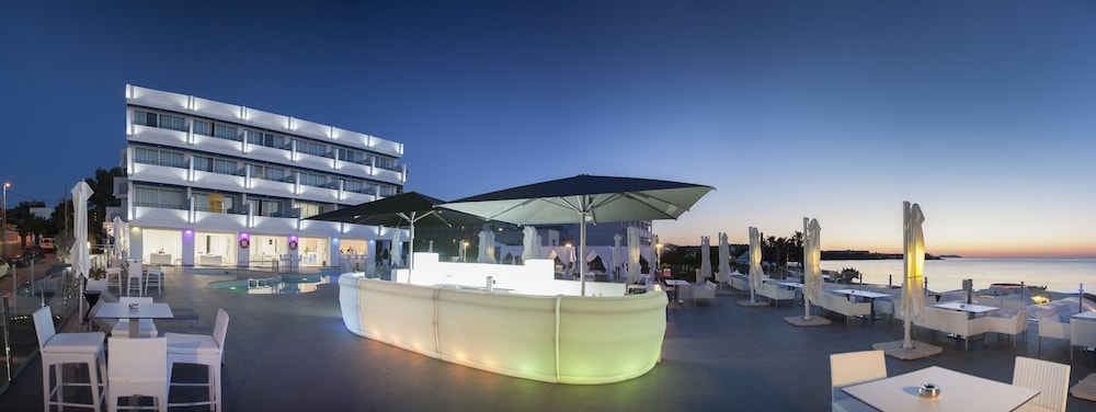 호텔 아파르타멘토 마리나 플라야 - 어른 전용(Hotel Apartamentos Marina Playa - Adults Only) Hotel Image 42 - Poolside Bar