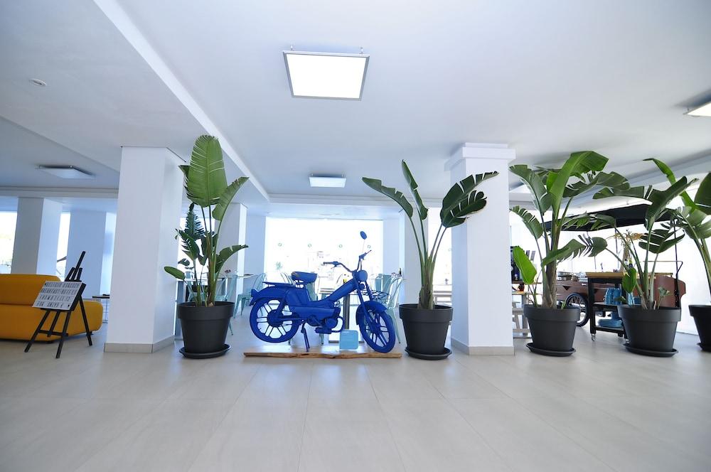 호텔 아파르타멘토 마리나 플라야 - 어른 전용(Hotel Apartamentos Marina Playa - Adults Only) Hotel Image 10 - Lobby Lounge