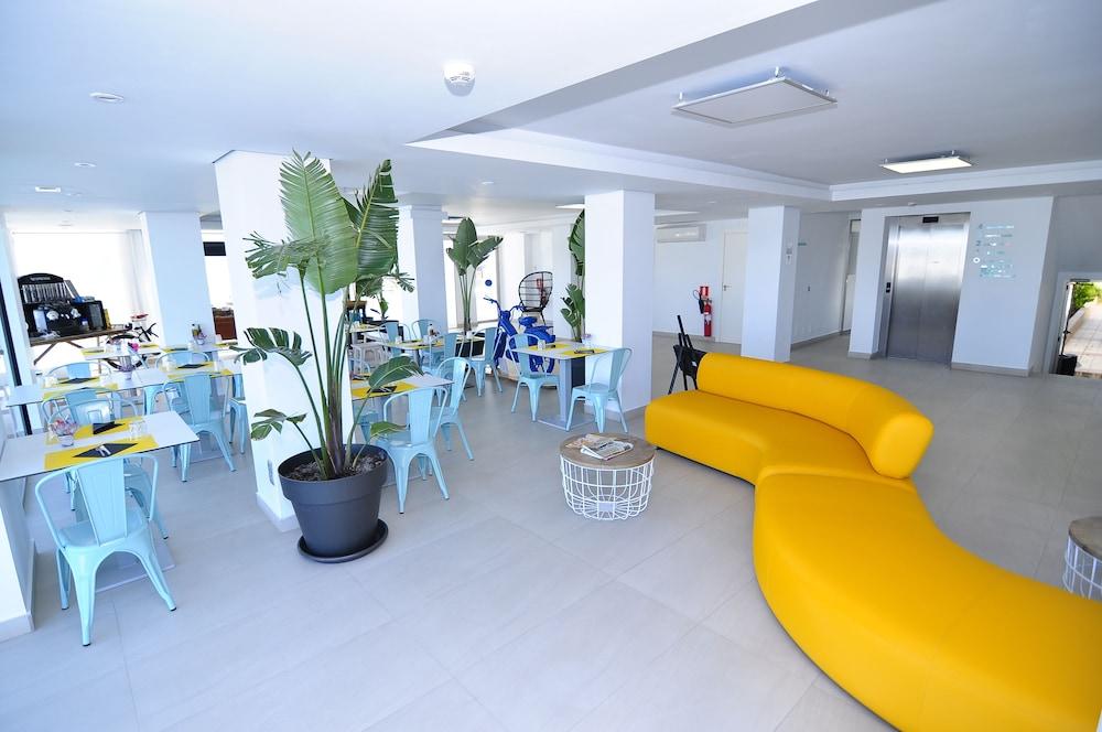 호텔 아파르타멘토 마리나 플라야 - 어른 전용(Hotel Apartamentos Marina Playa - Adults Only) Hotel Image 6 - Lobby Sitting Area