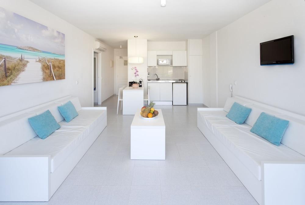 호텔 아파르타멘토 마리나 플라야 - 어른 전용(Hotel Apartamentos Marina Playa - Adults Only) Hotel Image 22 - Living Room