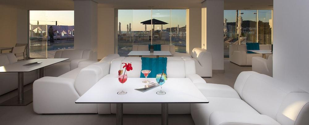 호텔 아파르타멘토 마리나 플라야 - 어른 전용(Hotel Apartamentos Marina Playa - Adults Only) Hotel Image 2 - Lobby