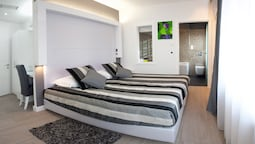 Deluxe Double Or Twin Room, Jetted Tub (annex)