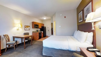 Studio Suite, 1 Queen Bed, Accessible (Communication Accessible)