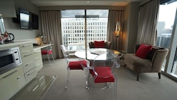 Bay View Studio Suite With Balcony